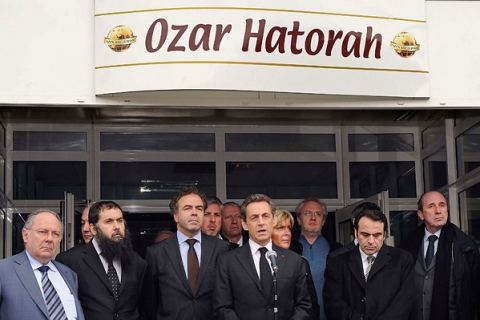 """Nicolas Sarkozy, France's President and UMP party candidate for 2012 French presidential election, delivers a speech in front of the """"Ozar Hatorah"""" Jewish school in Toulouse, southwestern France"""