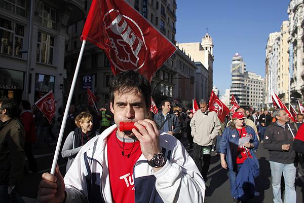 Unions wage a general strike