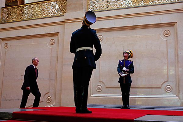 A brief ceremony marks the Vladimir Putin's third term