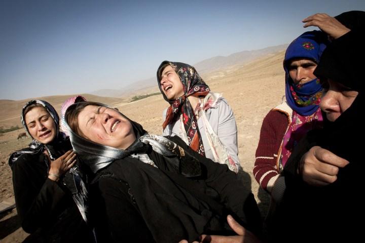 Twin Earthquakes Shake Iran, Killing More Than 300