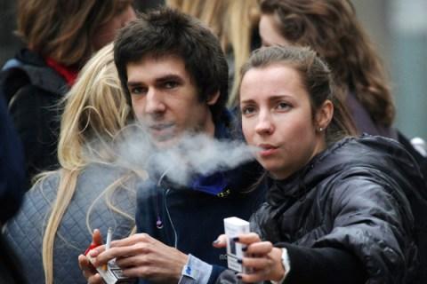 smoking_russia_1017