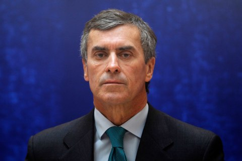 image: France's newly appointed Junior Budget Minister Jerome Cahuzac attends a handover ceremony in Paris, May 17, 2012.