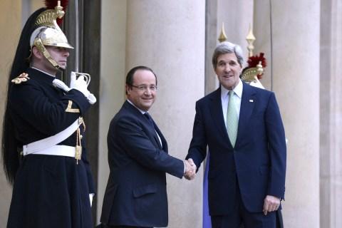 FRANCE-USA-DIPLOMACY-HOLLANDE-KERRY