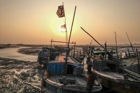 Rohingya boatman