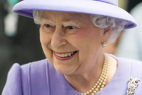 Britain's Queen Elizabeth tours the Royal London Hospital in east London, Feb. 27, 2013.