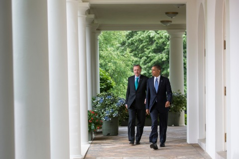 From right: U.S. President Barack Obama and Turkish Prime Minister Recep Tayyip Erdogan walk to the Rose Garden of the White House in Washington D.C., on May 16, 2013.