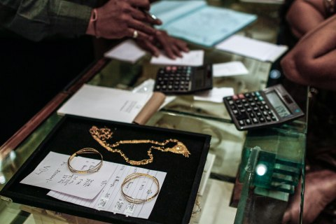 Images Of Gold Sales As Gold Imports by India to Surge as Festival, Slump Lure Shoppers