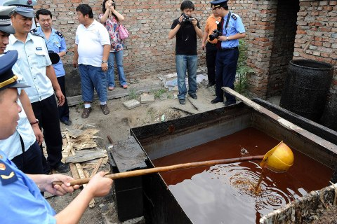 china_gutter_oil_0710