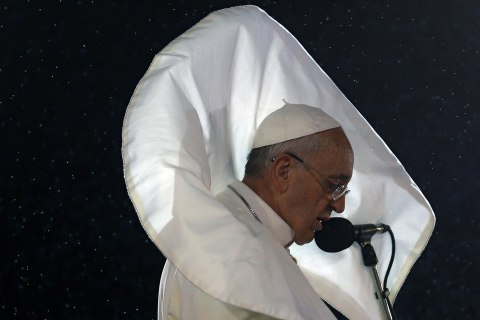 TOPSHOTS-BRAZIL-POPE-WYD-WELCOMING