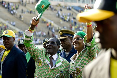 TOPSHOTS-ZIMBABWE-POLITICS-VOTE