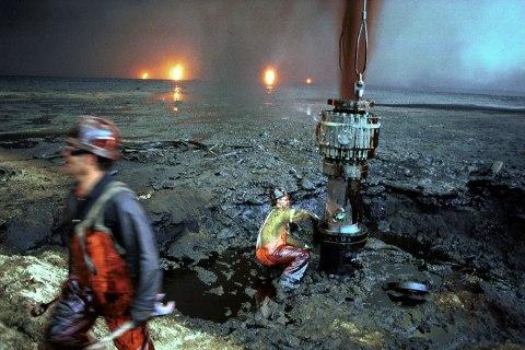 oil_field_kuwait_0906