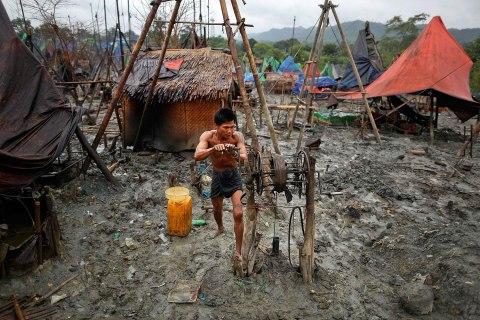 Manual Oil Drilling in Burma