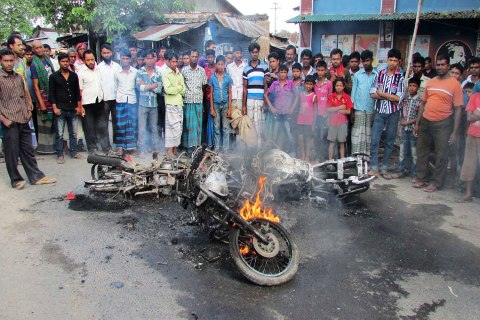 bangladesh_strike_1029