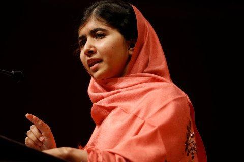 Malala Yousafzai addresses students and faculty after receiving the 2013 Peter J. Gomes Humanitarian Award at Harvard University, in Cambridge, Mass., on Sept. 27, 2013.