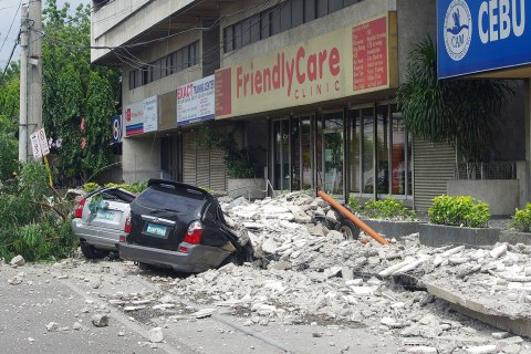 philippines_quake_1015