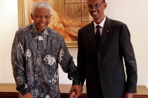 Nelson Mandela Meets Rwandan President In Johannesburg