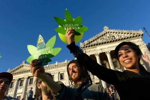 uruguay_marijuana_1210