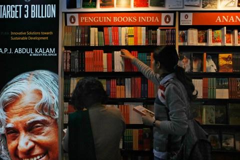 Indian women browse through Penguin edit