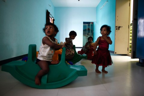 india_orphans_0221